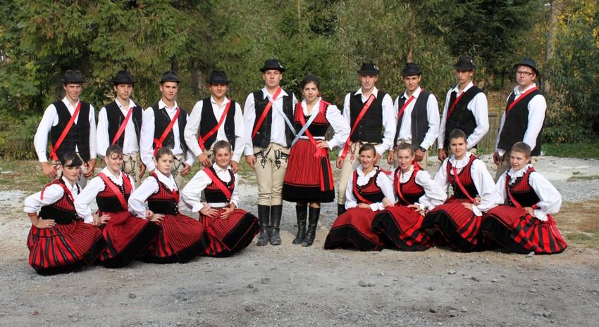 dansatori-maghiari-02